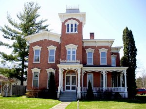 Farnam Mansion by GerriGray (Wikepedia Commons)